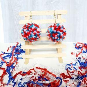 🇺🇸 Patriotic Red blue and white pompom boho